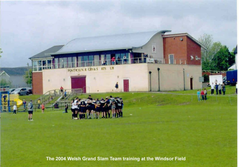 2004 Welsh team training at Pontyclun