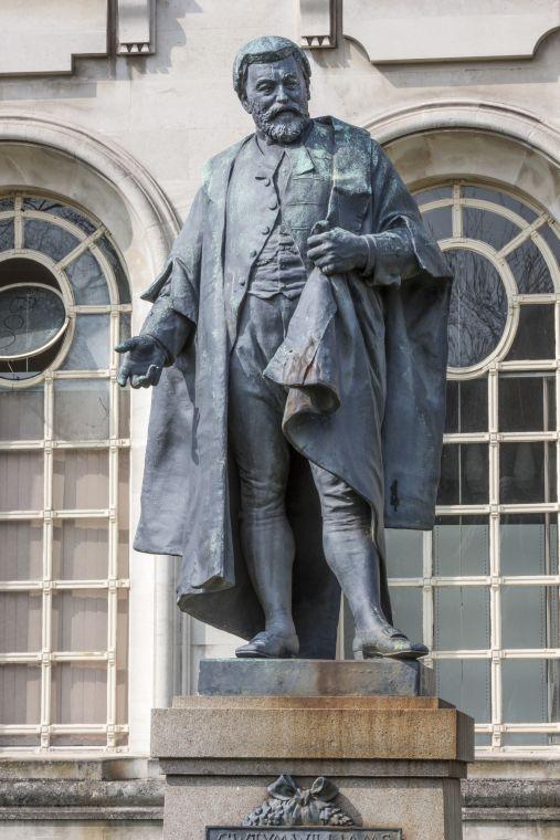 Gwylim Williams statue in cardiff
